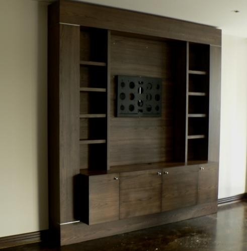 Cabinet in Walnut